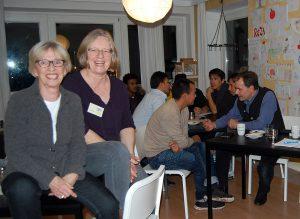 Andrea Seeger und Dörte Graul im Café